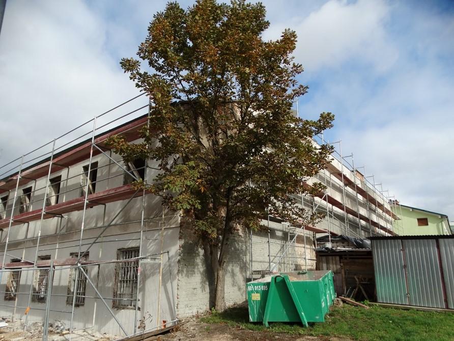 Południowo-zachodni fragment budynku Archiwum podaczs remontu